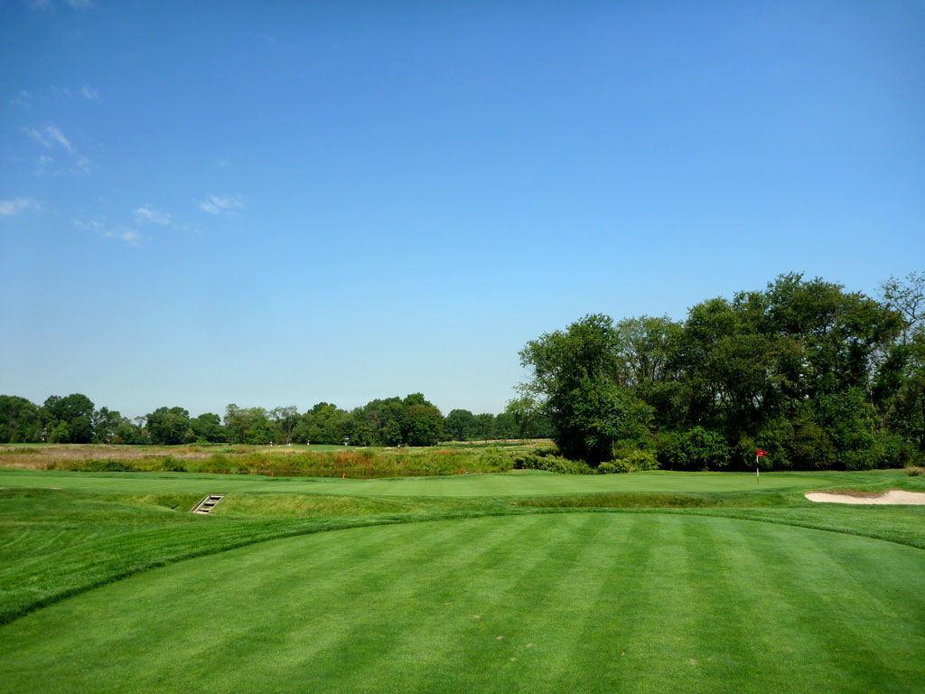16th Hole at Garden City Golf Club (405 Yard Par 4)