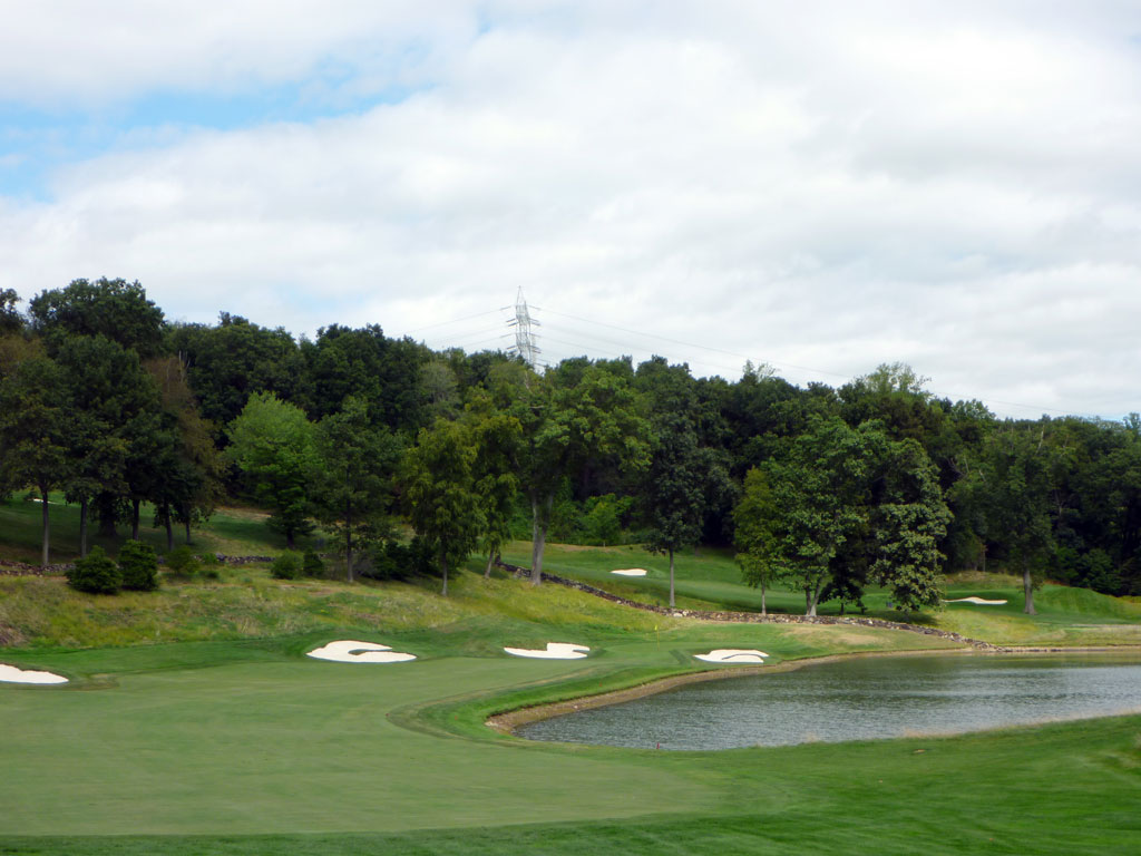 14th Hole at Hudson National (544 Yard Par 5)
