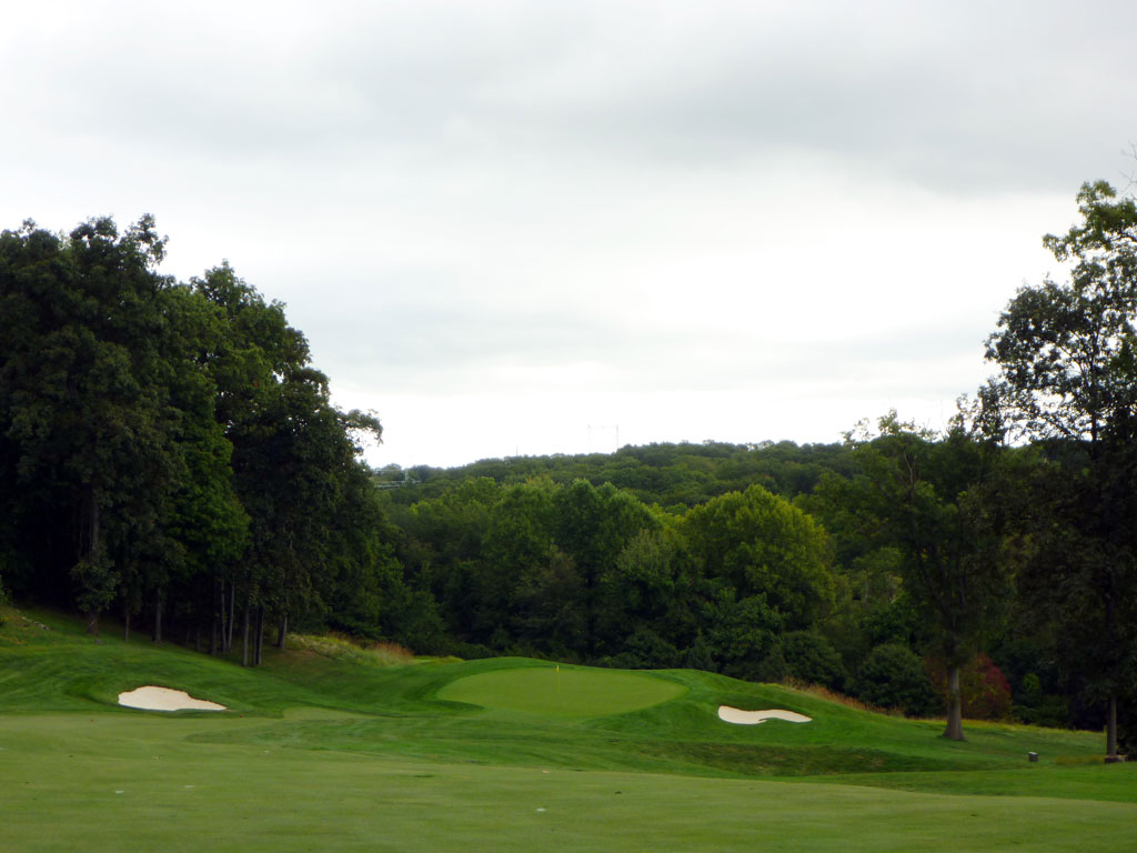 5th Hole at Hudson National Golf Club (430 Yard Par 4)