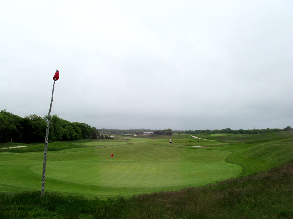 16th Hole at National Golf Links of America - Punchbowl