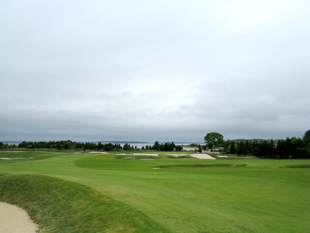17th Hole at National Golf Links of America (375 Yard Par 4)