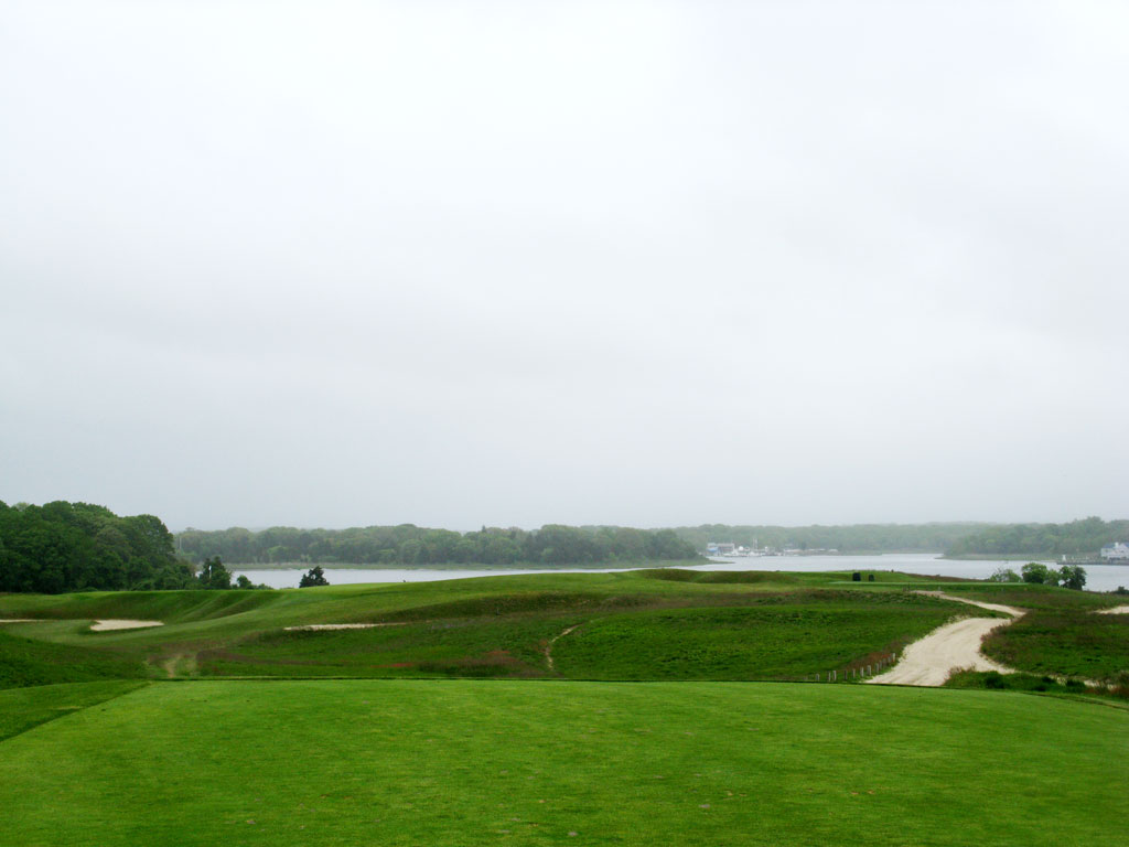 4th Hole at National Golf Links of America