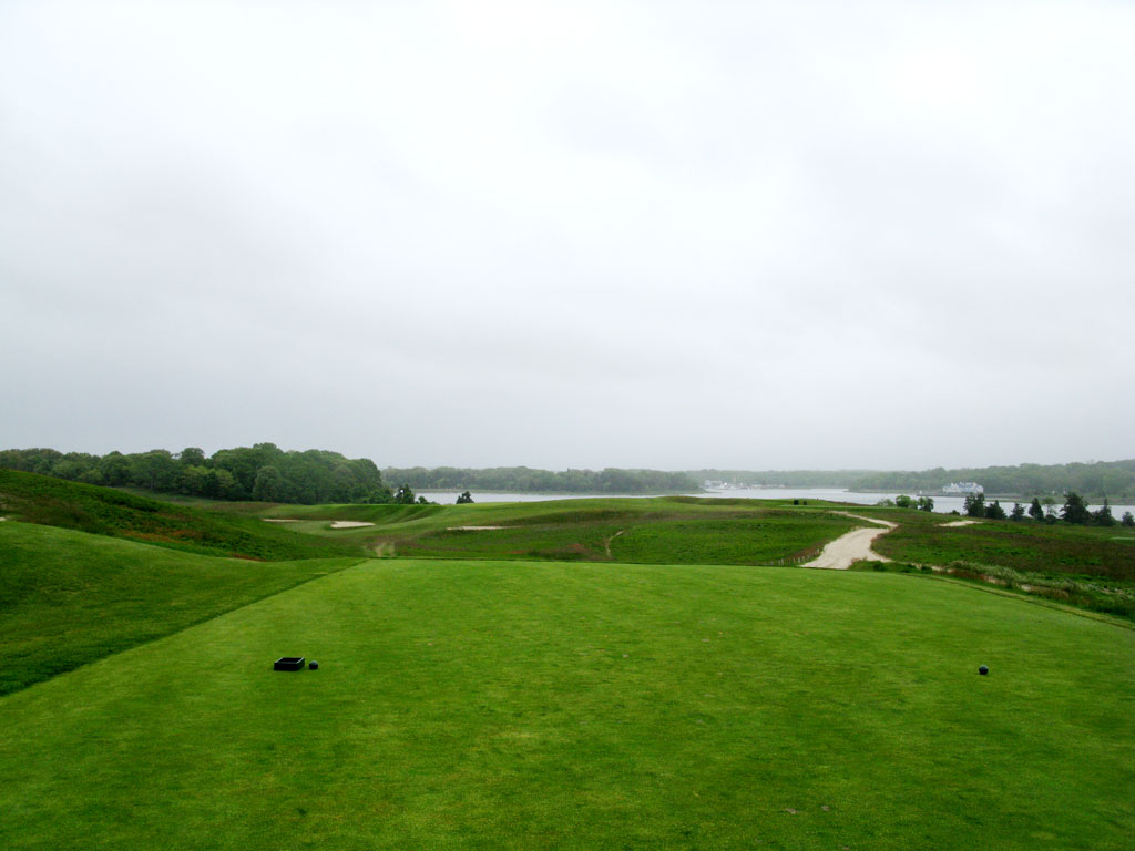 4th Hole at National Golf Links of America (195 Yard Par 3)