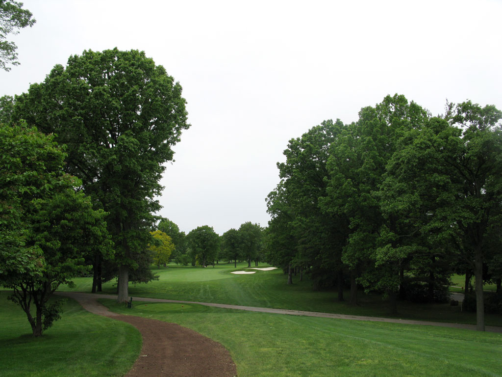 4th Hole at Oak Hill Country Club (East) (570 Yard Par 5)