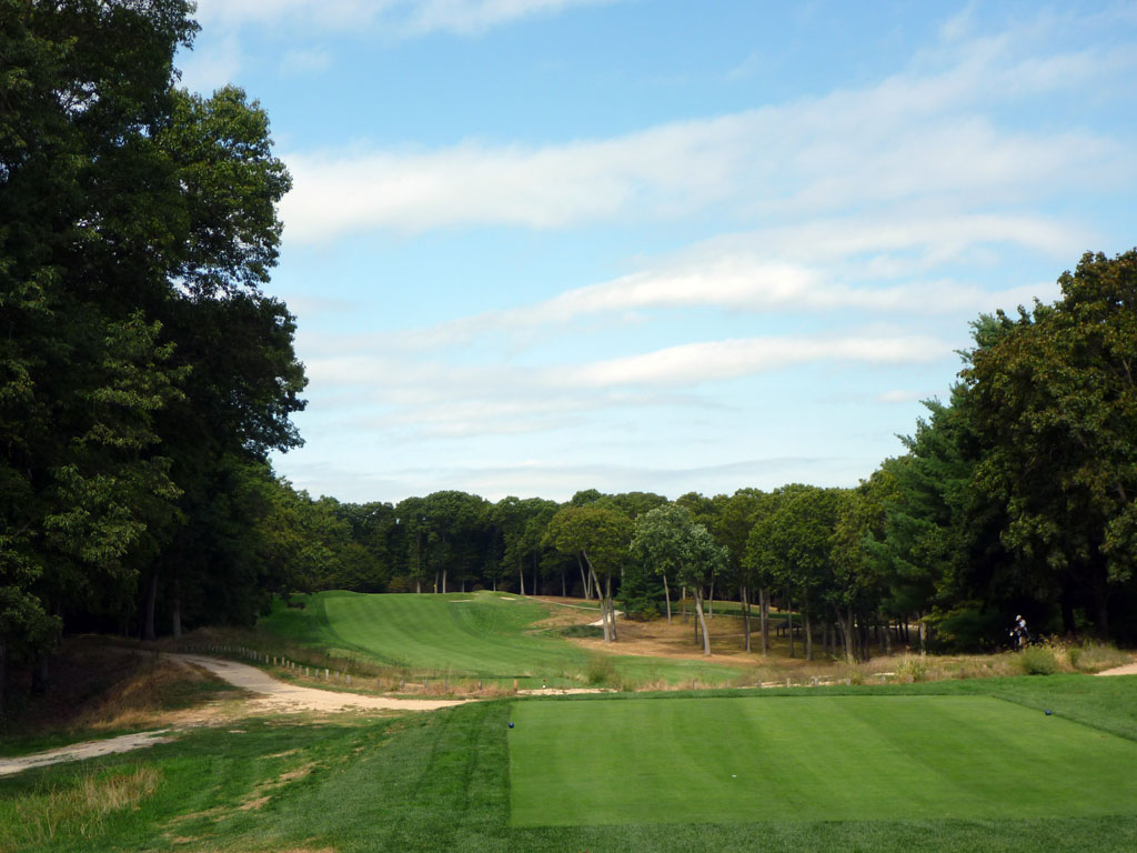 16th Hole at Piping Rock Country Club (398 Yard Par 4)