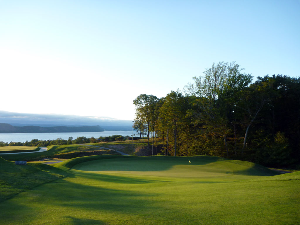 The 15th at Sleepy Hollow Country Club is one of best Punchbowl greens Macdonald implimented