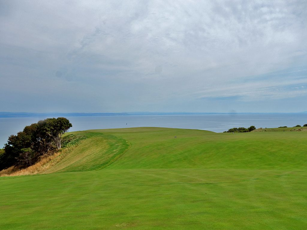 12th Hole at Cape Kidnappers Golf Course (460 Yard Par 4)