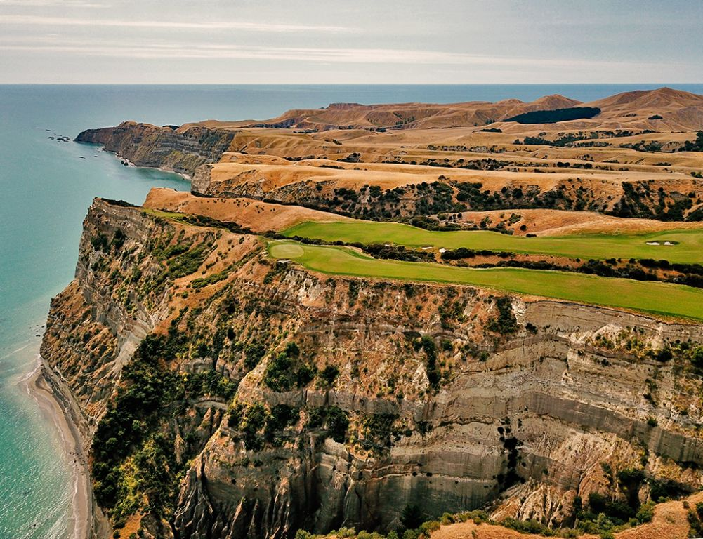 15th Hole at Cape Kidnappers Golf Course (650 Yard Par 5)