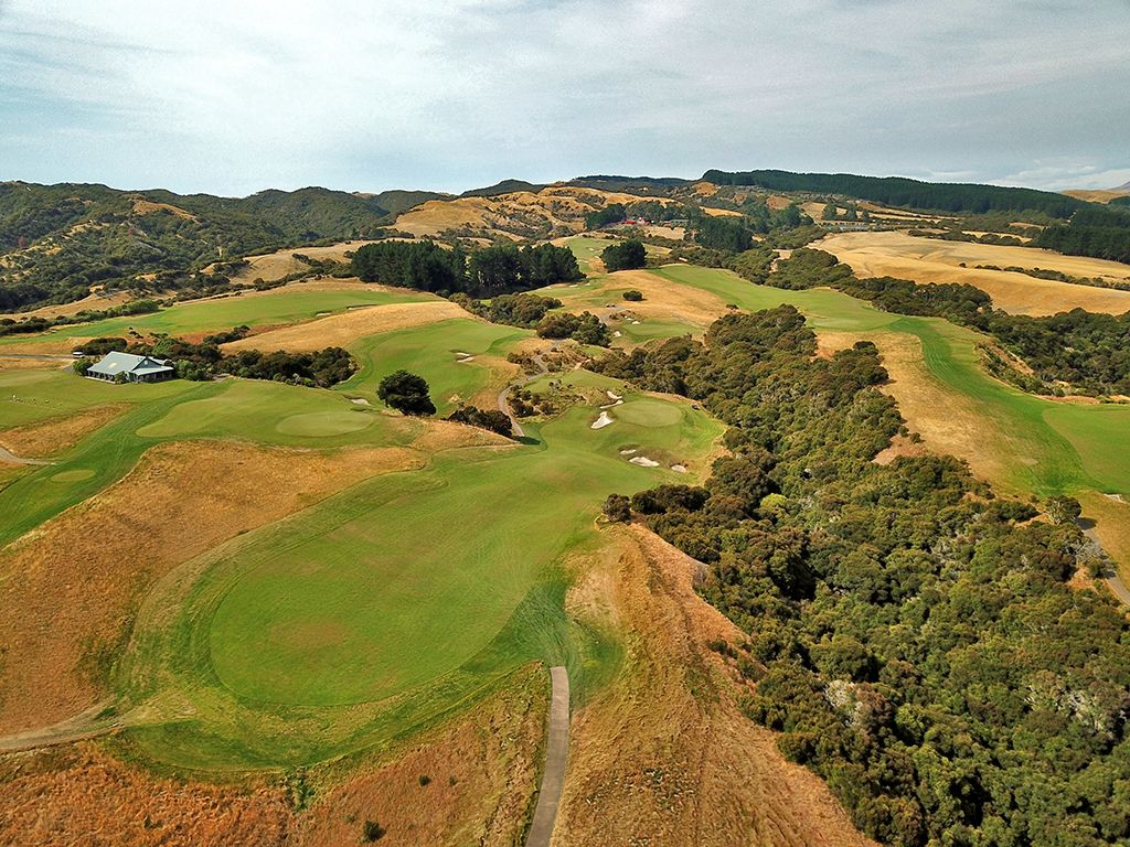 7th Hole at Cape Kidnappers Golf Course (453 Yard Par 4)
