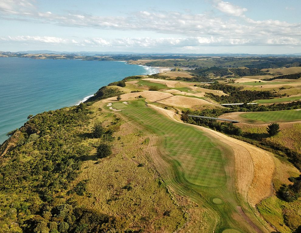 17th Hole at Kauri Cliffs Golf Course (472 Yard Par 4)