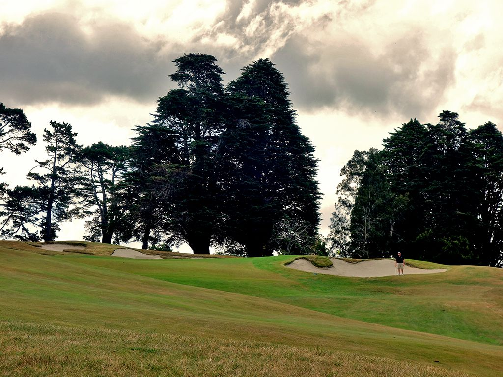 6th Hole at Titirangi Golf Club (423 Yard Par 4)