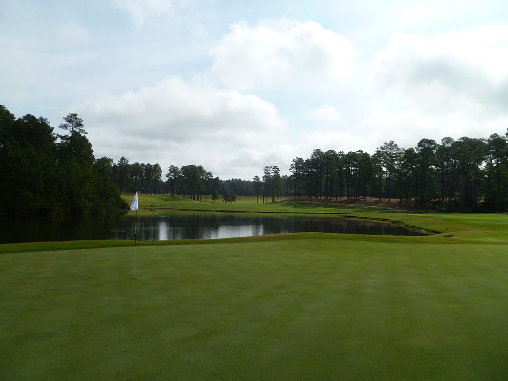 10th Hole at Pinehurst Resort No.9 (510 Yard Par 5)