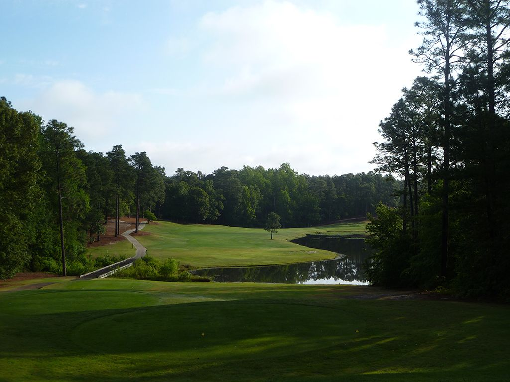 4th Hole at Pinehurst Resort No.9 (570 Yard Par 5)