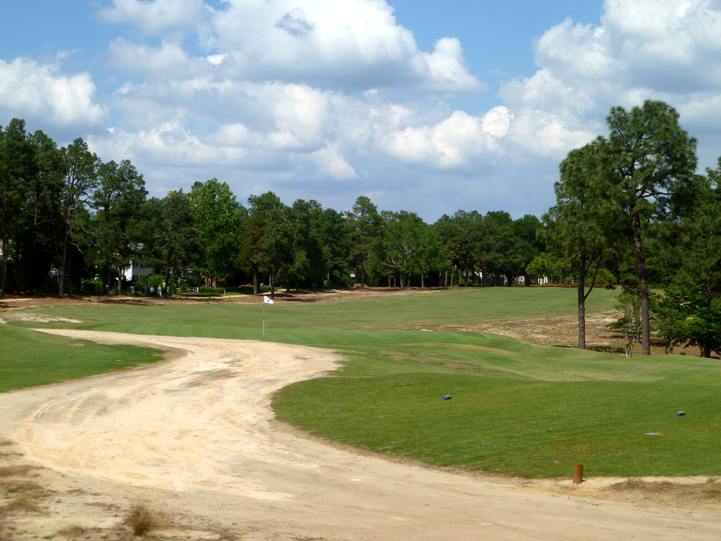 5th Hole at Pinehurst Resort No.2 (476 Yard Par 4)