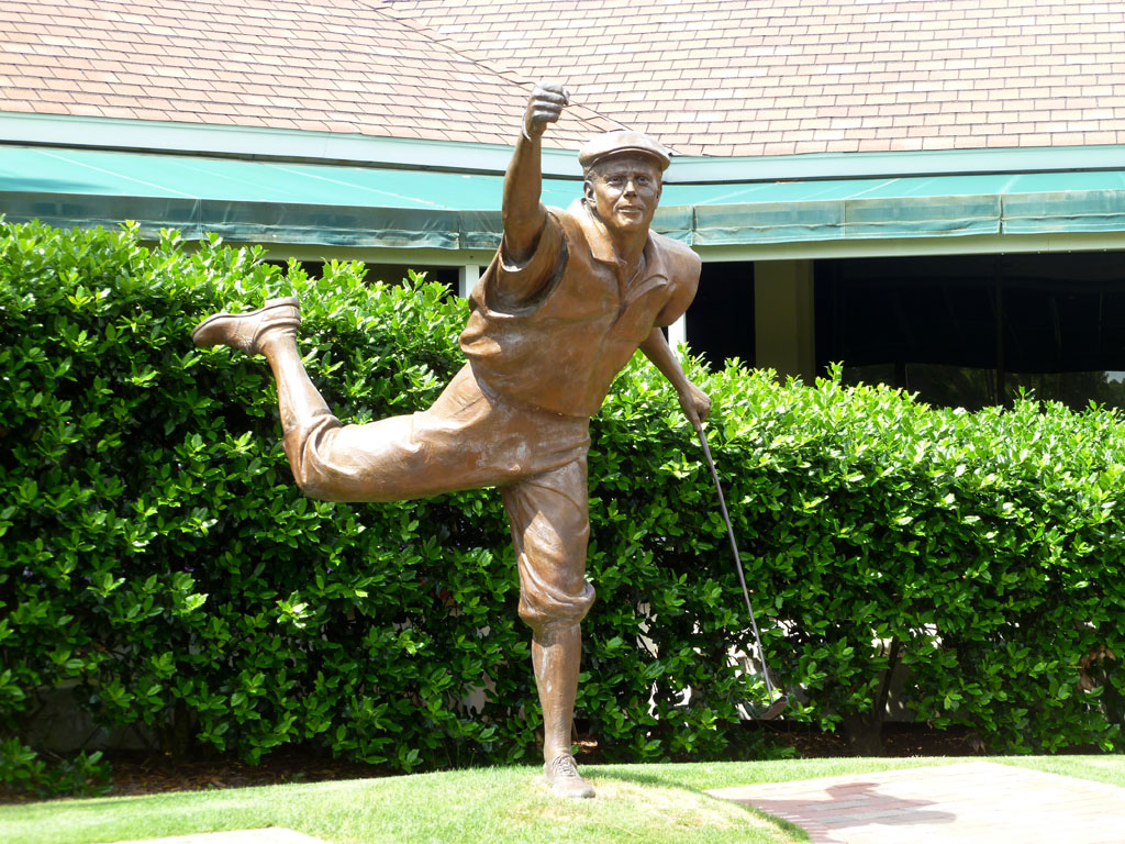 Payne Stewart statue at Pinehurst No. 2