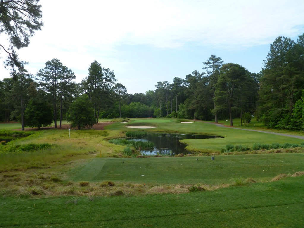 3rd Hole at Pine Needles Golf Course (145 Yard Par 3)