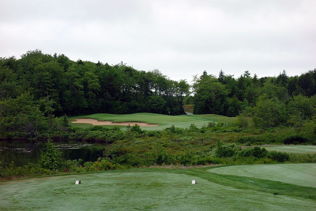 17th Hole at Glen Arbour Golf Club (207 Yard Par 3)