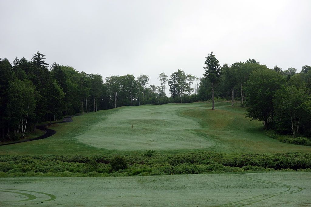 6th Hole at Glen Arbour Golf Club (572 Yard Par 5)