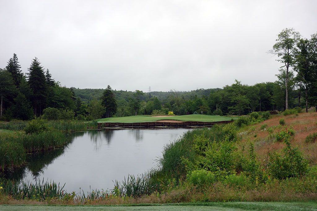 7th Hole at Glen Arbour Golf Club (155 Yard Par 3)