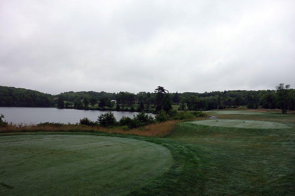 9th Hole at Glen Arbour Golf Club (414 Yard Par 4)