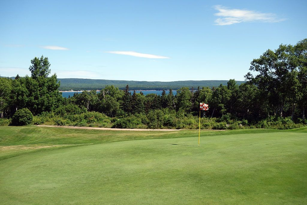16th Hole at Highlands Links at Cape Breton (460 Yard Par 5)