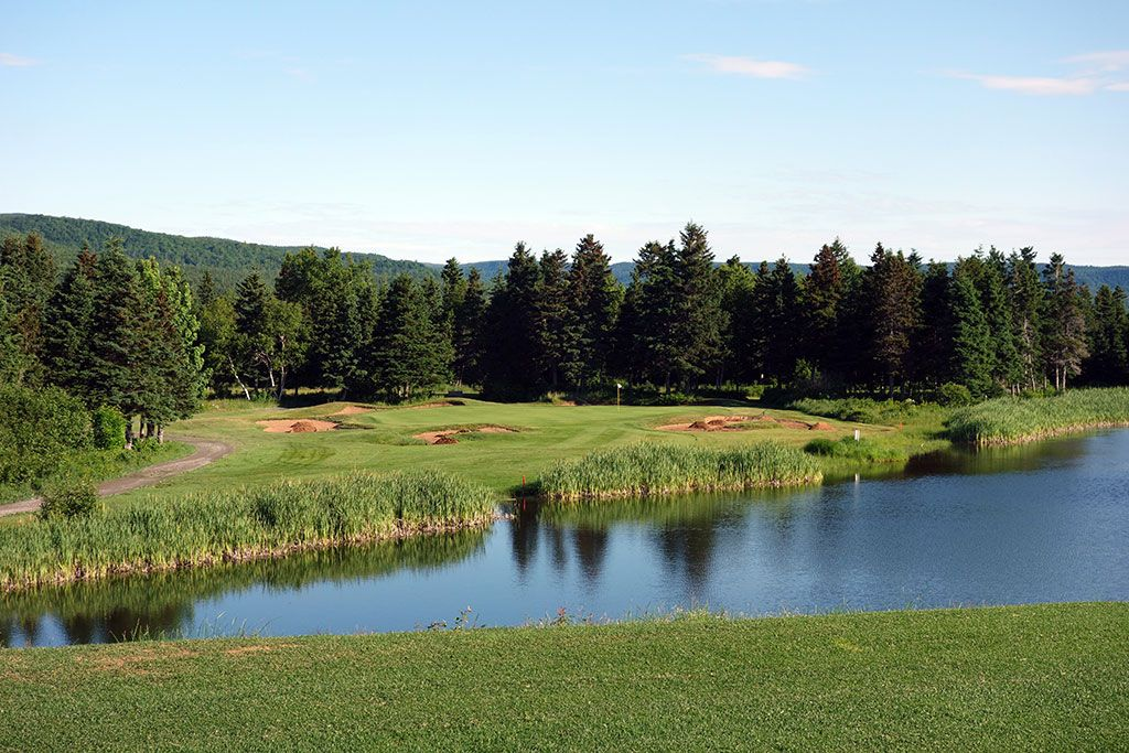 3rd Hole at Highlands Links at Cape Breton (160 Yard Par 3)