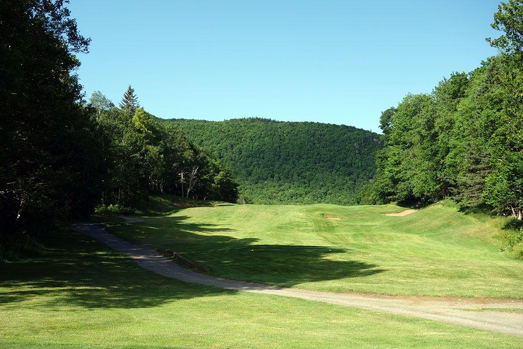 7th Hole at Highlands Links at Cape Breton (570 Yard Par 5)