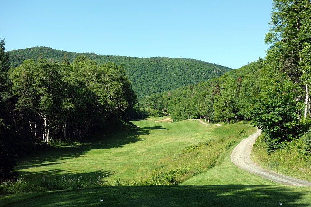 7th Hole at Highlands Links at Cape Breton (570 Yard Par 5)