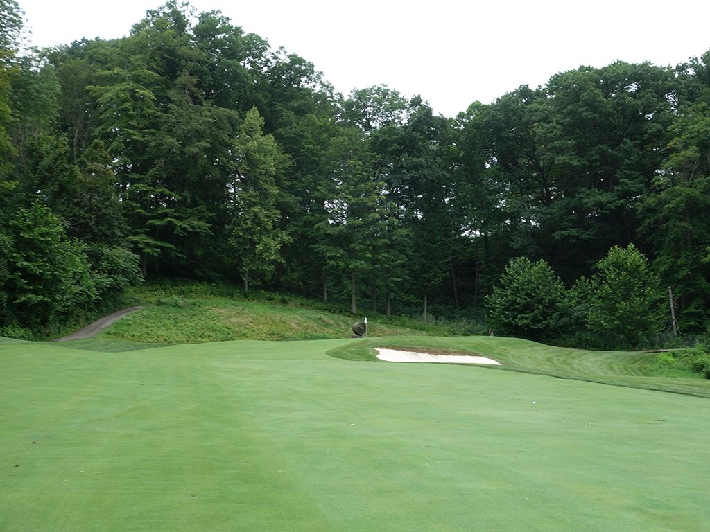 16th Hole at Kirtland Country Club (365 Yard Par 4)