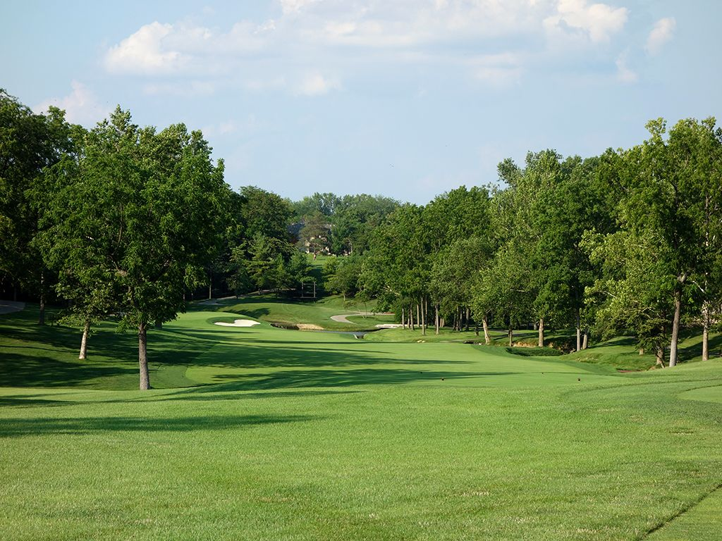 2nd Hole at Muirfield Village Golf Club (455 Yard Par 4)