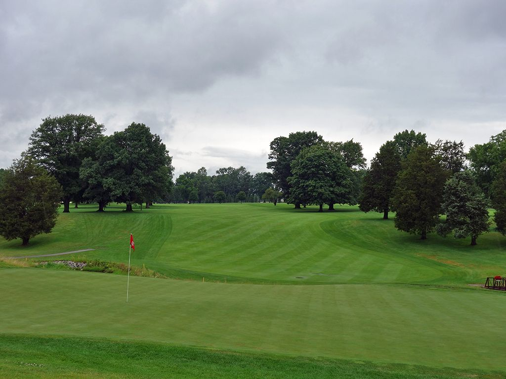 12th Hole at Ohio State University (Scarlet) (562 Yard Par 5)