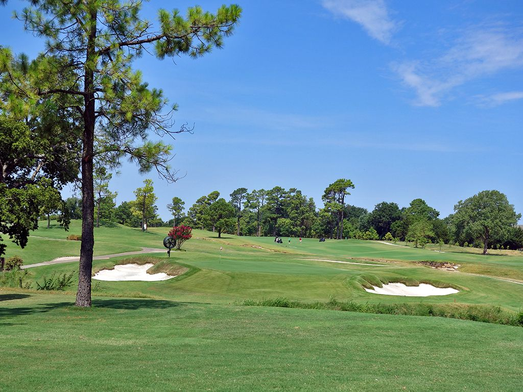 18th Hole at Jimmie Austin Golf Club (586 Yard Par 5)