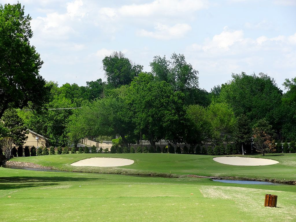 6th Hole at Southern Hills Country Club (200 Yard Par 3)