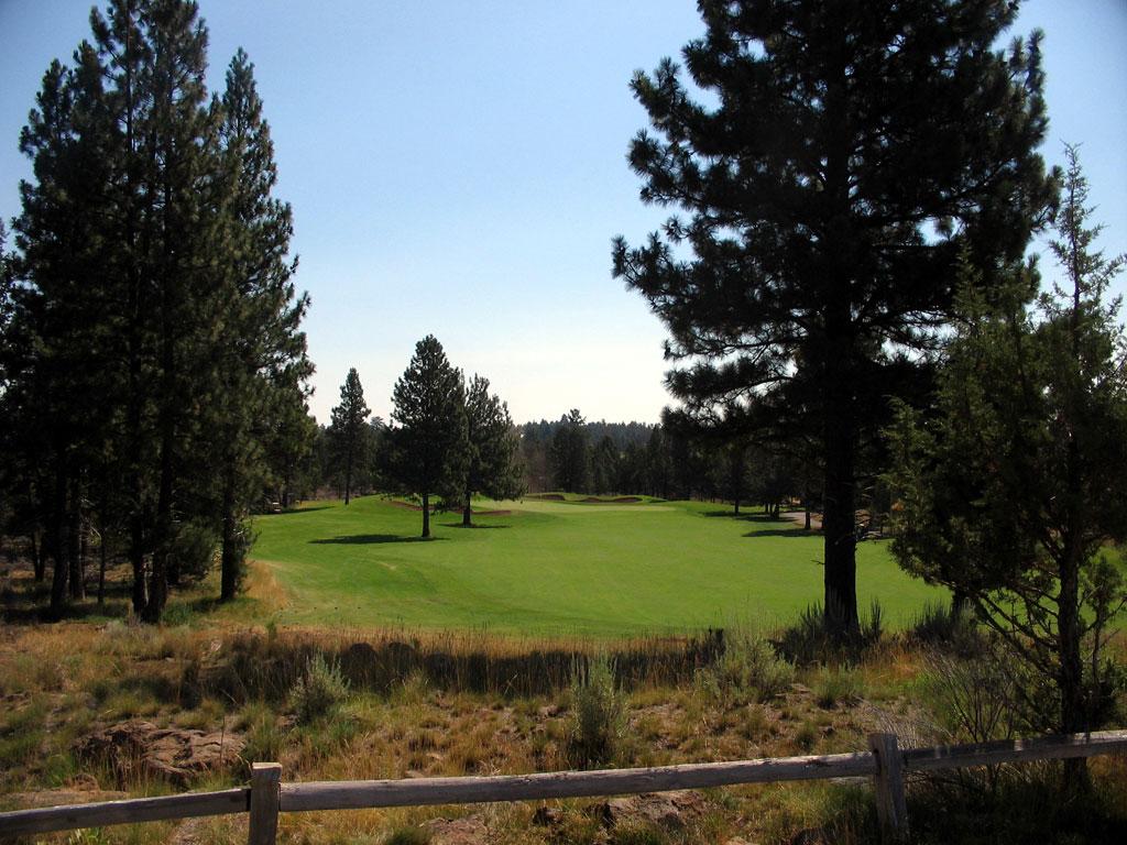 14th Hole at Aspen Lakes Golf Course (479 Yard Par 4)