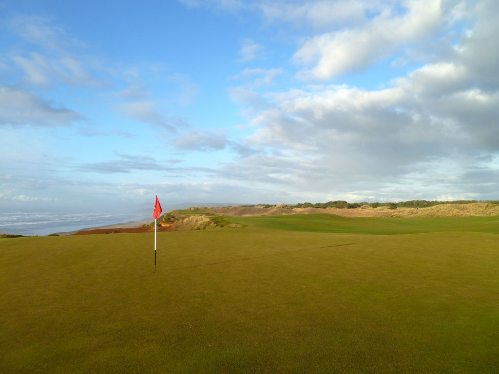 16th Hole at Bandon Dunes (363 Yard Par 4)