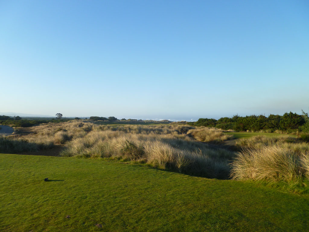 4th Hole at Bandon Dunes (443 Yard Par 4)