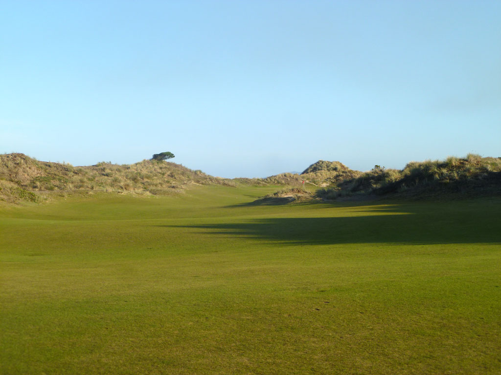 5th Hole at Bandon Dunes (445 Yard Par 4)