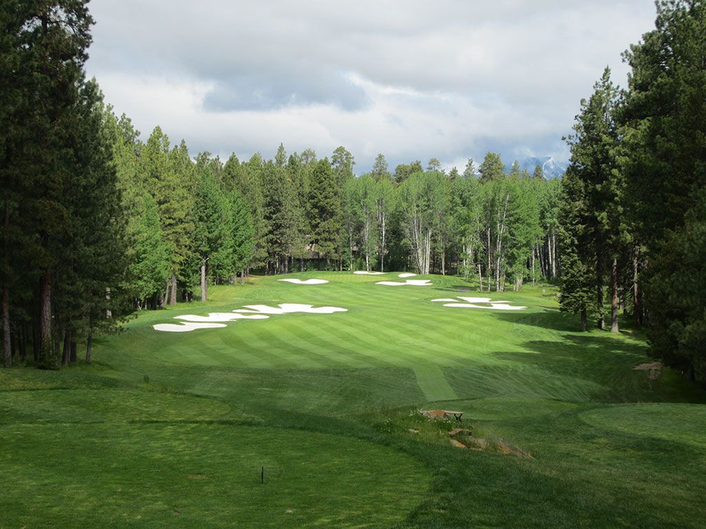 14th Hole at Black Butte Ranch (Big Meadow) (401 Yard Par 4)