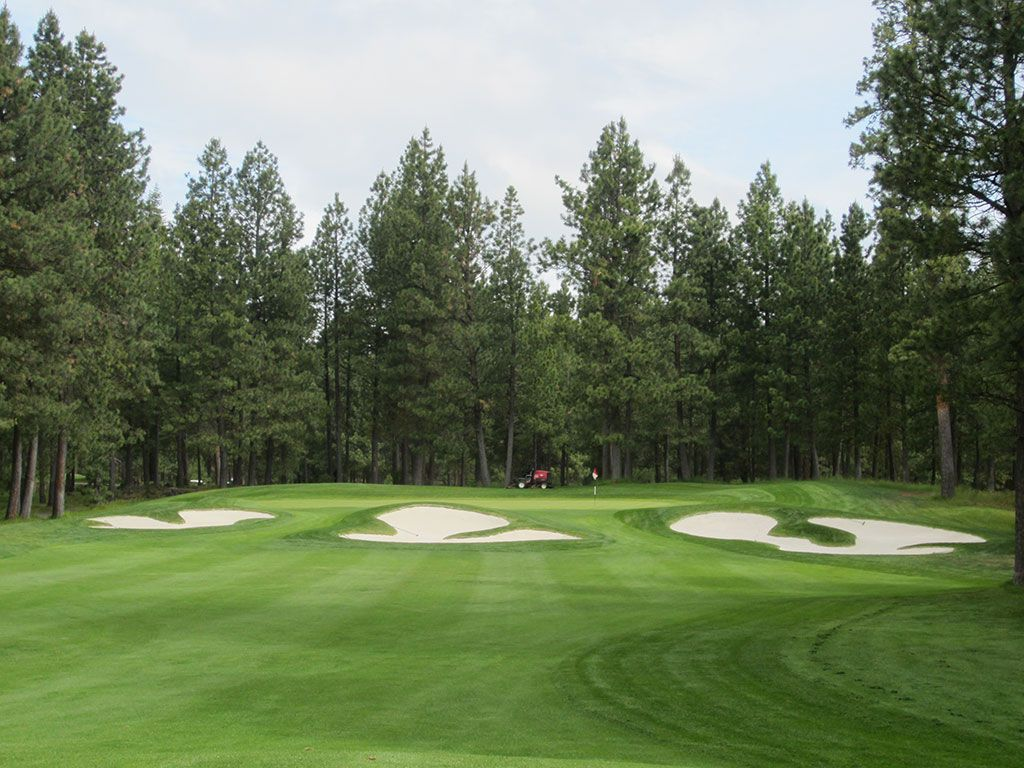 15th Hole at Black Butte Ranch (Big Meadow) (349 Yard Par 4)