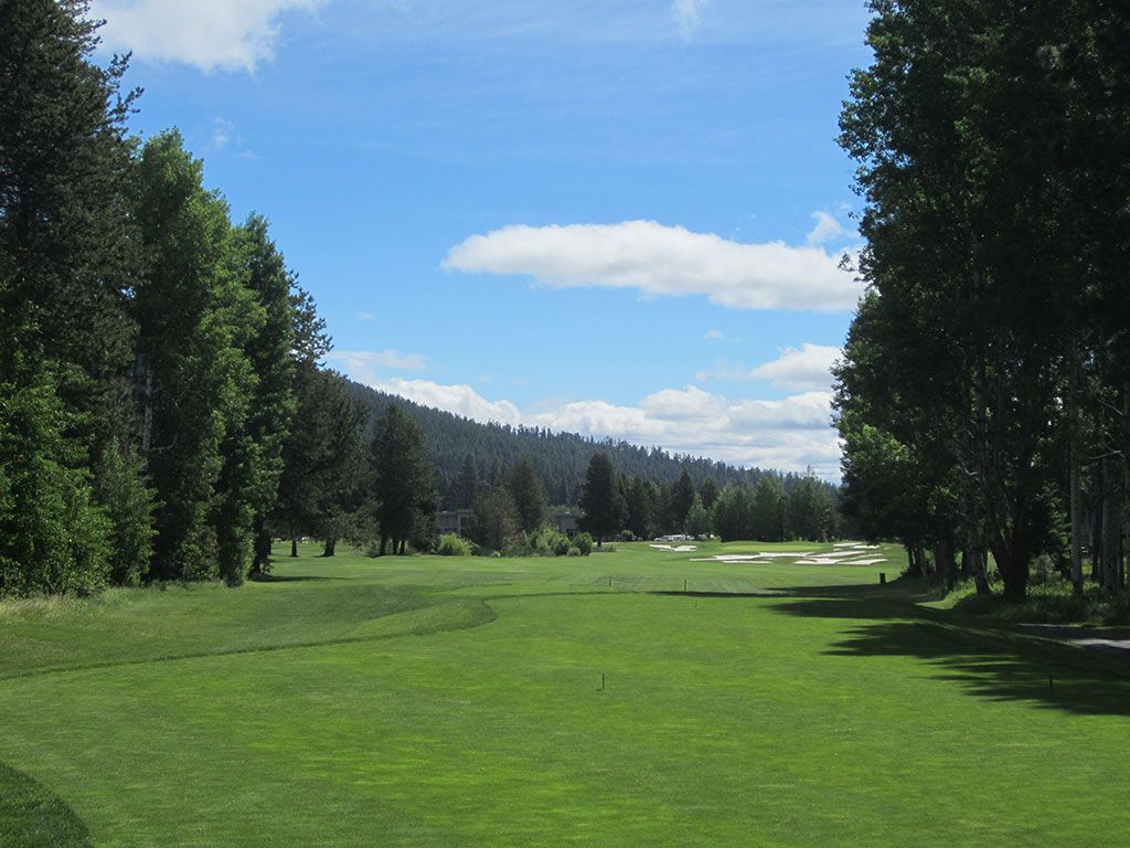 18th Hole at Black Butte Ranch (Big Meadow) (413 Yard Par 4)