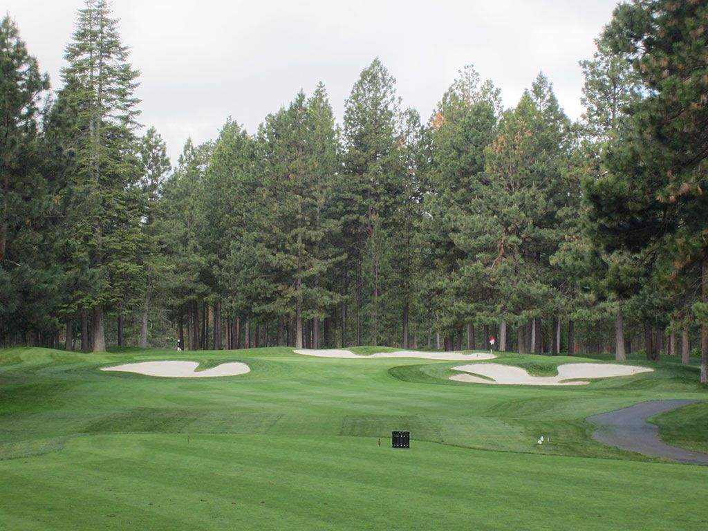 4th Hole at Black Butte Ranch (Big Meadow) (190 Yard Par 3)