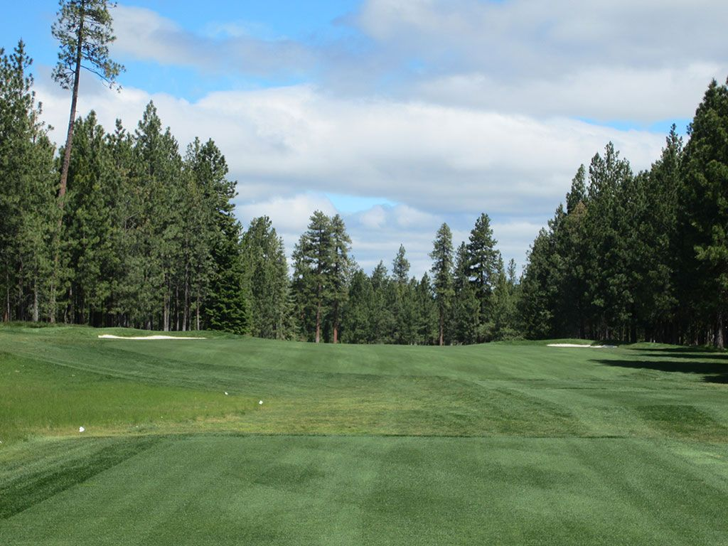 13th Hole at Black Butte Ranch (Glaze Meadow) (483 Yard Par 4)
