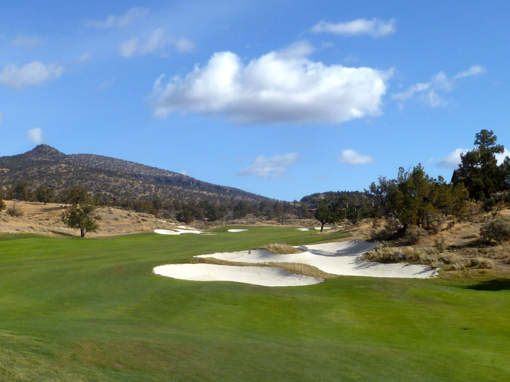 10th Hole at Brasada Ranch (543 Yard Par 5)