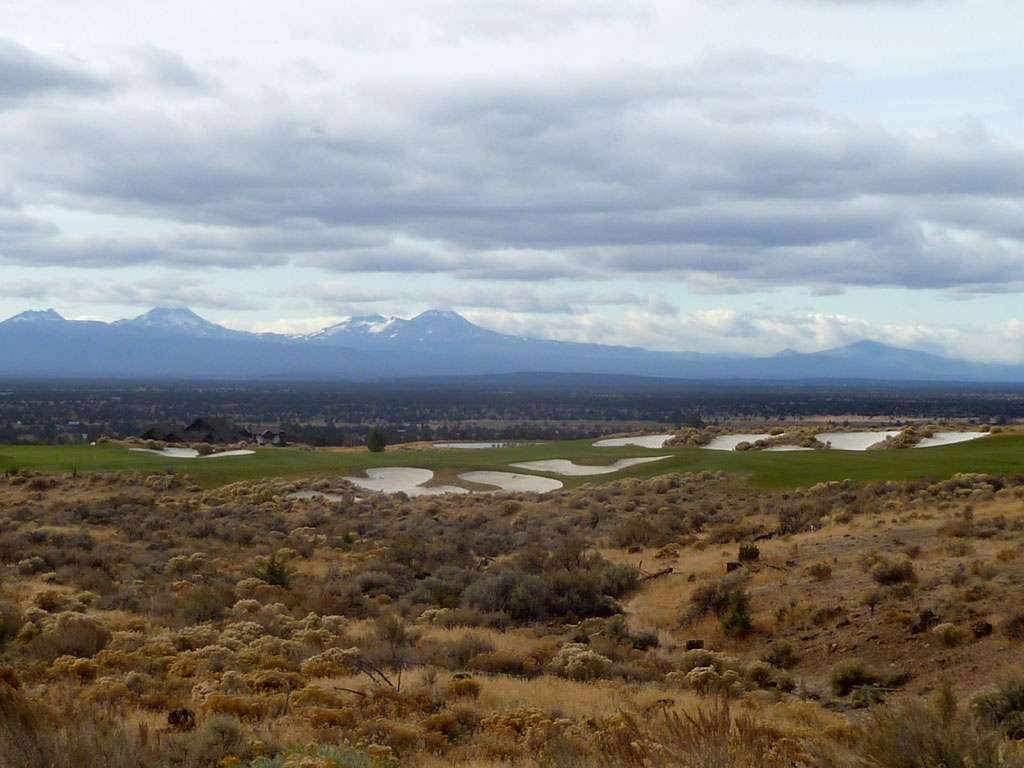 15th Hole at Brasada Ranch (377 Yard Par 4)