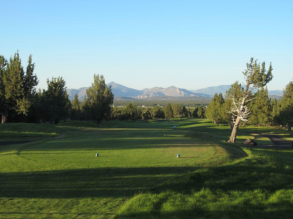 4th Hole at Eagle Crest Resort (Ridge) (563 Yard Par 5)