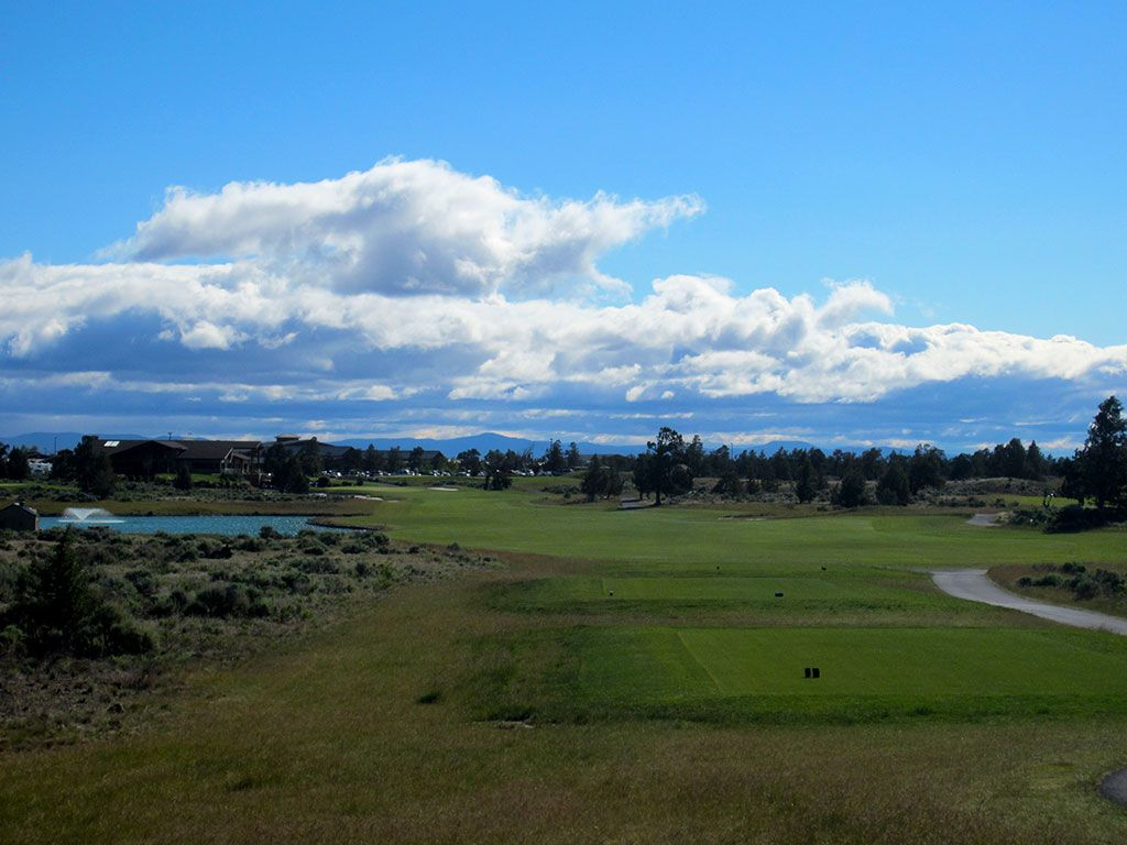 9th Hole at Juniper Golf Course (483 Yard Par 4)