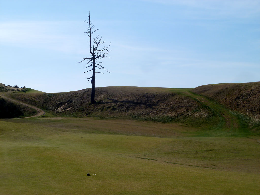 3rd (Sahara) Hole at Old Macdonald (375 Yard Par 4)