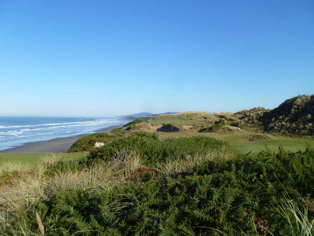 11th Hole at Pacific Dunes (148 Yard Par 3)