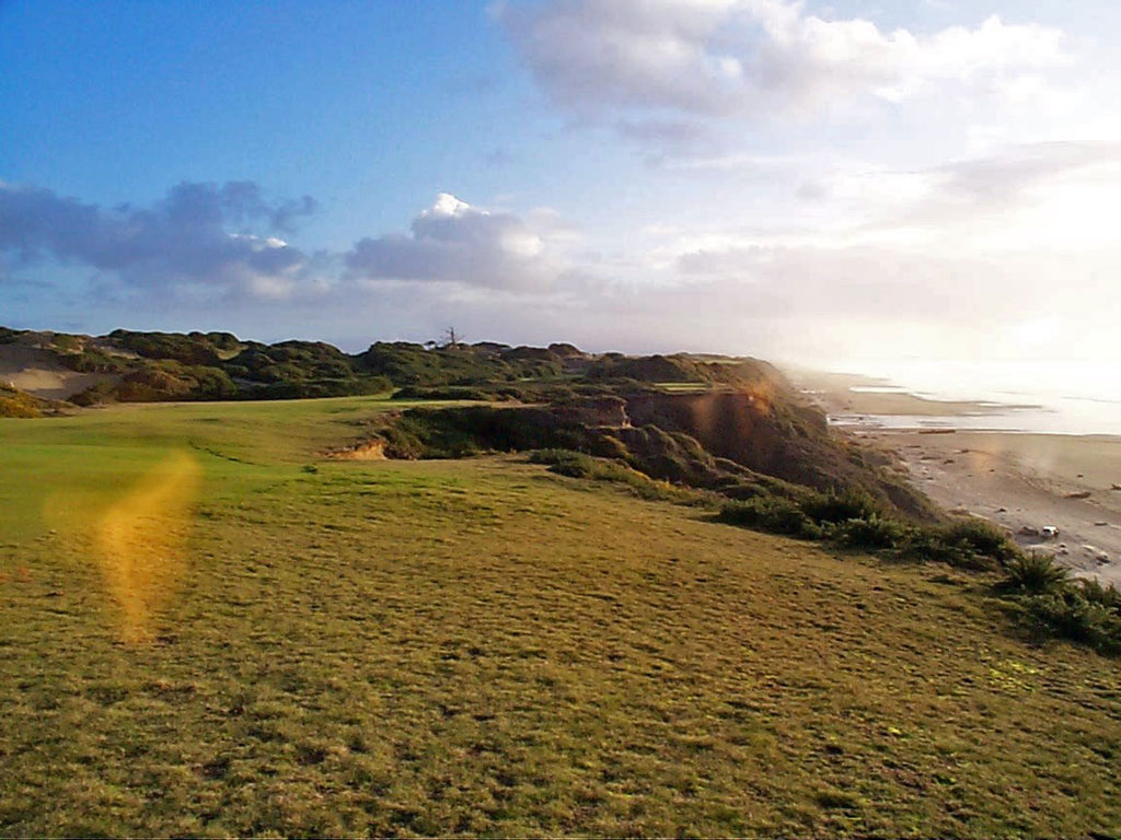 13th Hole at Pacific Dunes (444 Yard Par 4)