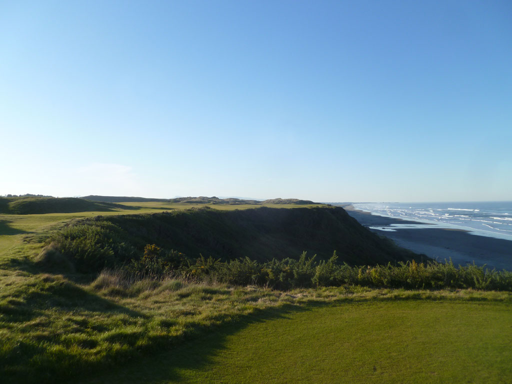 4th Hole at Pacific Dunes (463 Yard Par 4)